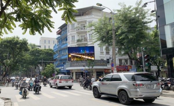 Màn hình Led tại Nút giao Bà Triệu - Trần Nhân Tông, Hà Nội