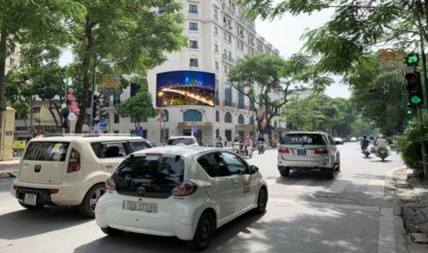 Màn hình Led tại Nút giao Hàng Bài - Lý Thường Kiệt, Hà Nội