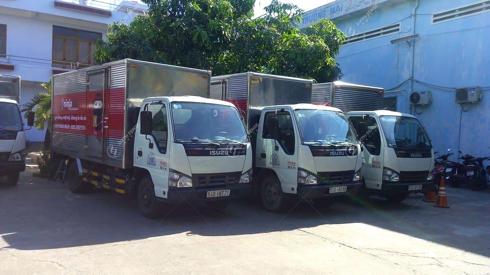 Ninja Van dán quảng cáo trên xe tải tại Hà Nội và TPHCM